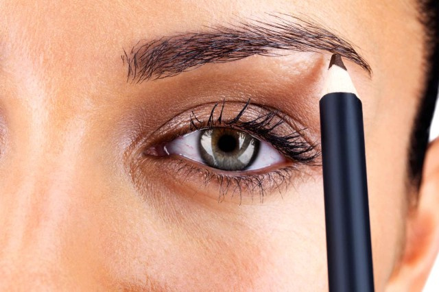 How To Do Perfect Eye Makeup Eye Makeup Tips 7 Ways To Make Your Eyes Pop Readers Digest