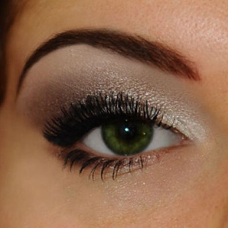 How To Put Eye Makeup On Small Eyes Makeup Tips For Hooded Eyes Bellatory