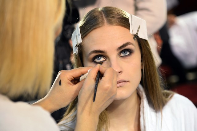 Makeup For Pale Skin Blue Eyes Blonde Hair The Best Mascara For Your Eye Color Skin Tone Because Blackest