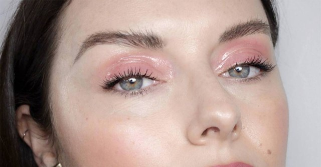 Shiny Eye Makeup Glossy Eyes Beauty Trend How To Wear Gloss Eyelids Glamour Uk