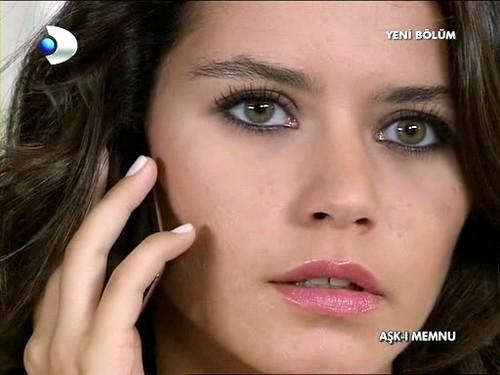 Turkish Eye Makeup Makeup Turkish Actress Beren Saats Makeup From Her Tv Series