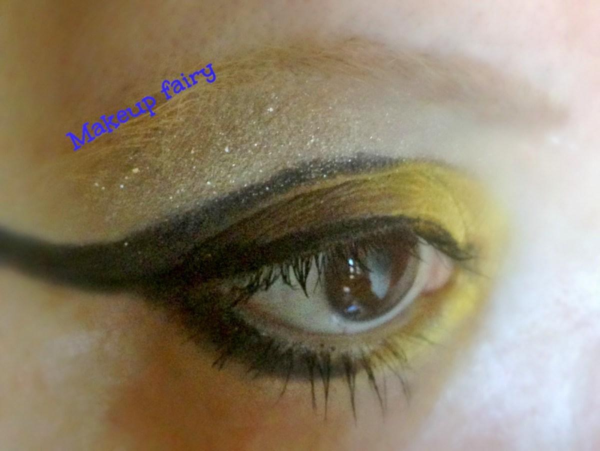 Yellow And Black Eye Makeup Tinklesmakeup Black And Yellow Bee Eye Makeup Look