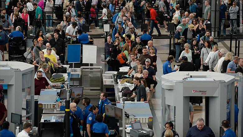 160505144431-denver-airport-security-line-780x439