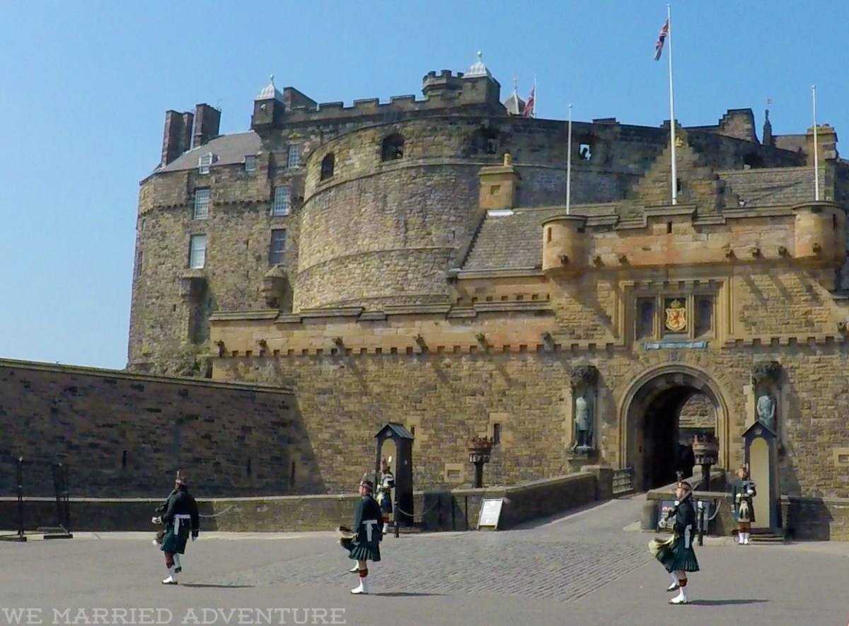 edinburgh_castle02_wm