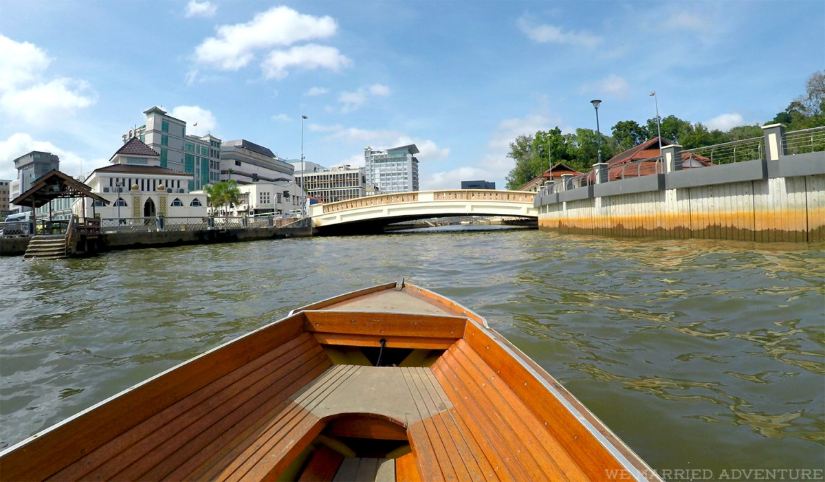 small_boat_canal01_wm