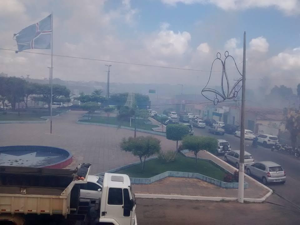 Muita fumaça no centro de São Gonçalo