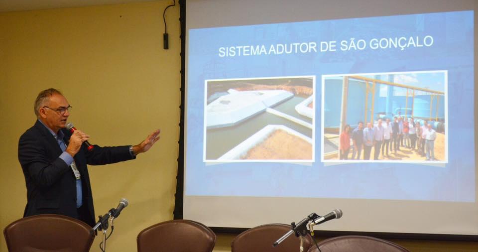 Prefeito de São Gonçalo palestrou em evento do TCE como exemplo de gestor comprometido com obras públicas