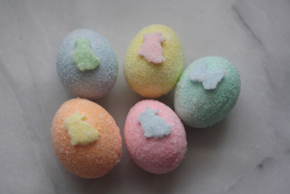 five-sugared-eggs-with-fondant