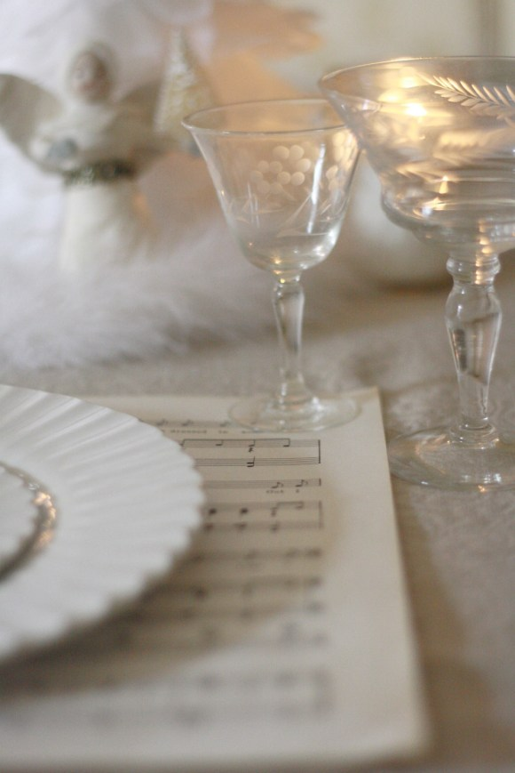 Christmas Decoration White Feather Table