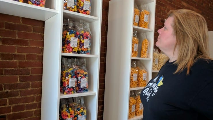Holcomb's Popcorn, Nuts & Ice Cream Now in Wooster