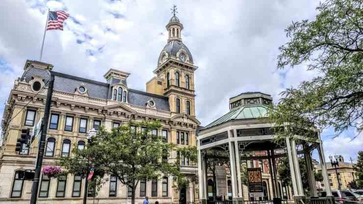 photo of wayne county ohio courthouse