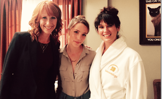 Wendy Braun, Jessica Rothe, Scout Dunwood in Mary + Jane