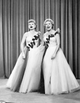 lucy-and-ethel-buy-the-same-dress