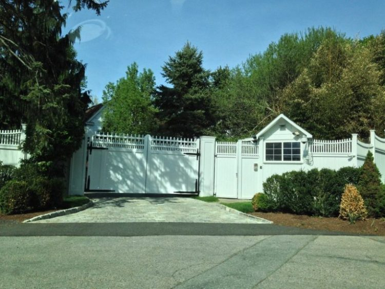 Hillary Clinton's protective wall around her Chappaqua estate