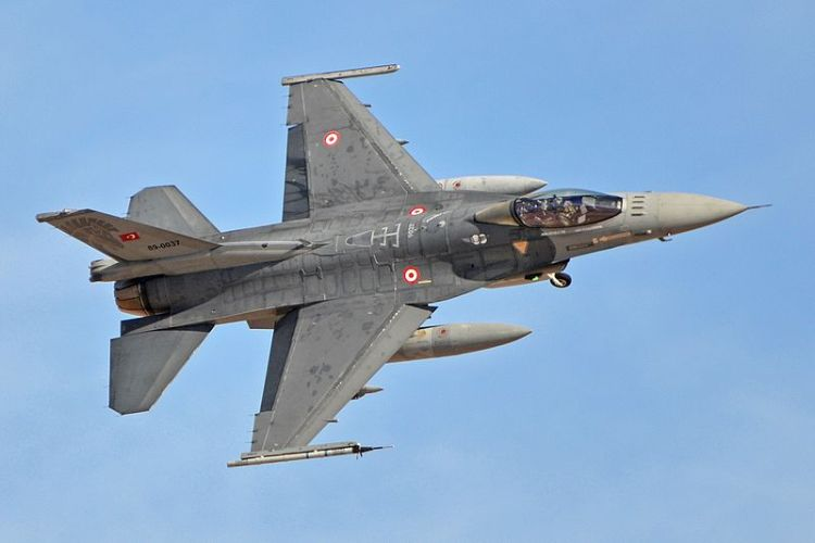 F-16 Operated by 132 Filo, Turkish Air Force and based at Konya.