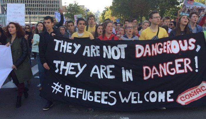 Por-Islamic -refugee demonstration brussels