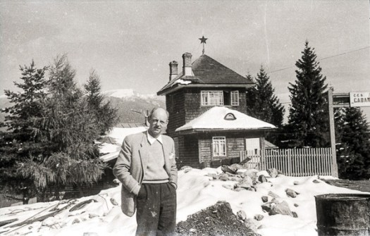 Bill Pidgeon (Wep) outside the Cabana Cioplea, Predeal, Romania;