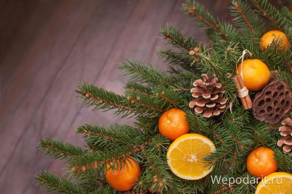 Noel ağacı mandalina portakal koni