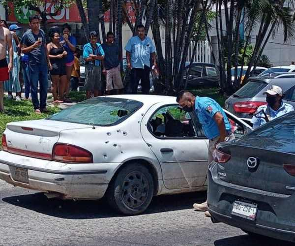 Strong ShootingOn AvenidaCostera Miguel Alemán, In Acapulco