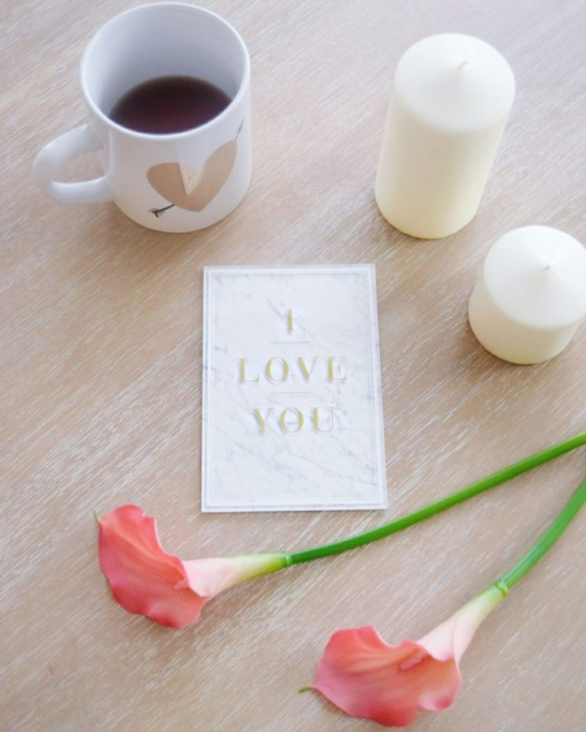 Valentine's Date Night Surprise Tips How to Surprise your Loved One Cute Card Ideas Surprise Date Night Ideas How to Pull Off a Surprise Date Night Best Date Night Ideas Best Valentine's Date Night Ideas Hallmark Cards Hallmark Signature Cards Best Valentine's Day Cards
