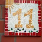 Hausnummer in Mosaik
