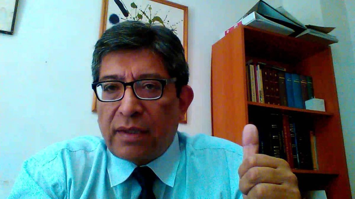Chile - Entrevista a Roberto Avila en Radio U. de Chile