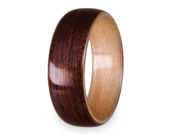 Holzring aus Mahagoni und Ahorn