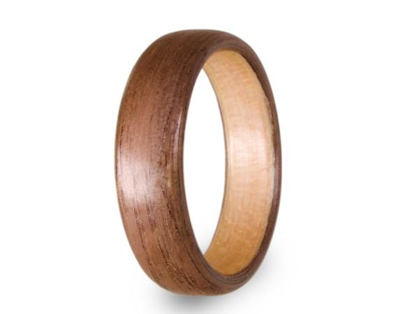Holzring aus Walnuss und Ahorn