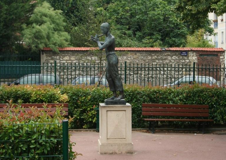 Jeune Homme à la Flûte, square La Fontaine, Montrouge, photo de couverture