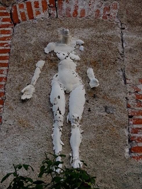 Well Come, Sculpture éphémère en plâtre de Guillaume Werle