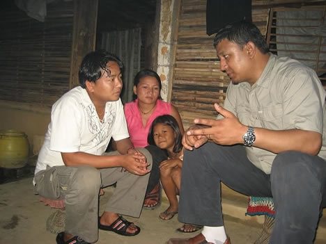 Sharing the good news of Christ with a refugee family