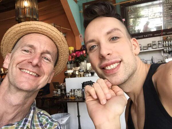 """@denisohare: With the amazing and gracious @Alaska5000 who I spent time with yesterday. """