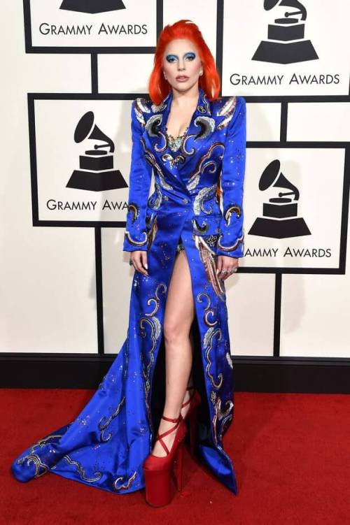 lady-gaga-grammys-red-carpet-2016