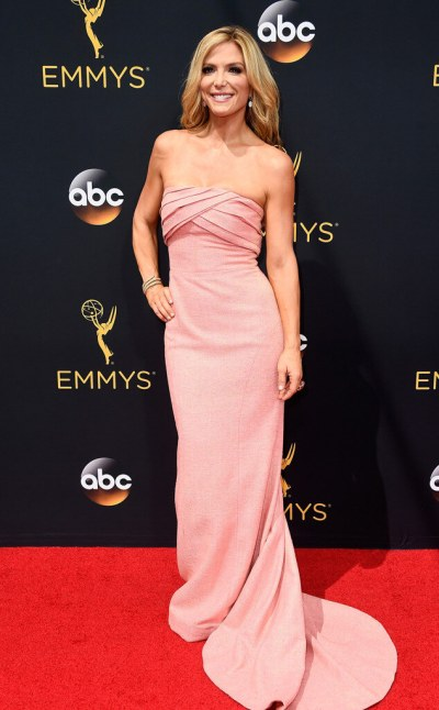 rs_634x1024-160918142625-634-emmy-awards-arrivals-debbie-matenopoulos-ls-91816