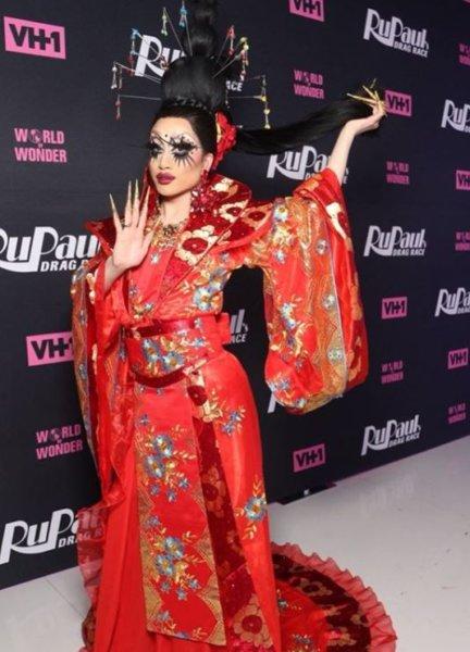 AHSWS: RuPaul's Drag Race Season 10 Premiere 117