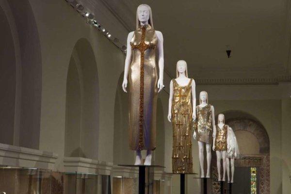Heavenly Bodies: Fashion and the Catholic Imagination 75