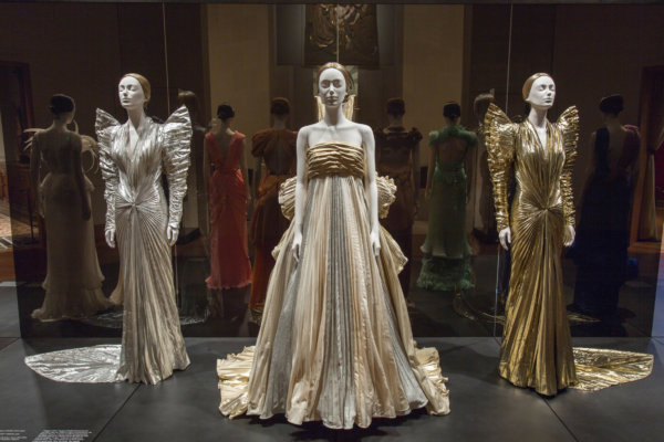 Heavenly Bodies: Fashion and the Catholic Imagination 74