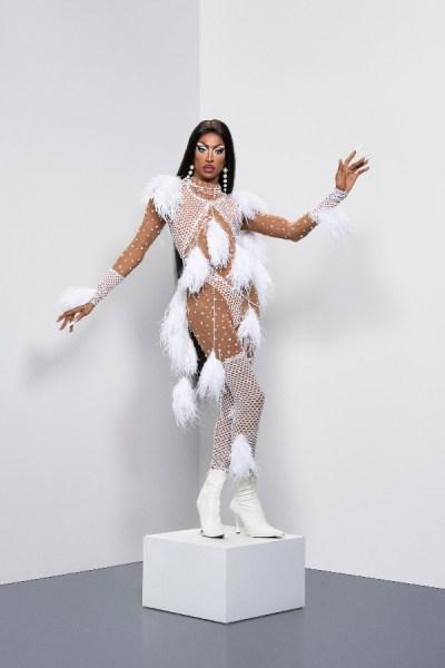 RuPaul's Drag Race UK: Meet the Queens (S02 E01) 15