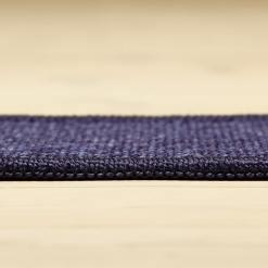 lillafarvet tæppe med mønster og kant fra WeRug