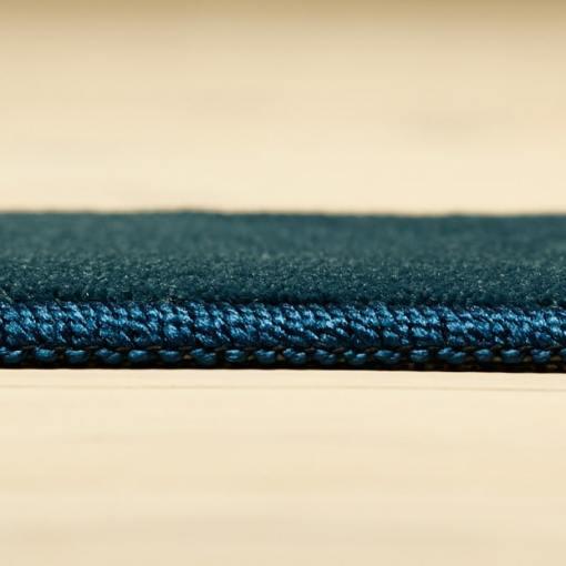 vintageblåt tæppe med kant fra WeRug