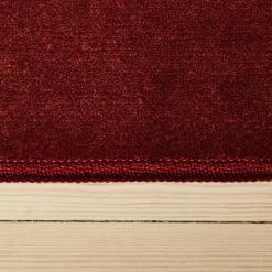 mørkerødt tæppe med kant korthåret