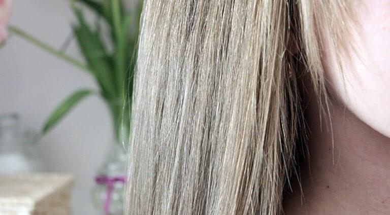 Co to jest porowatość włosów? Test na porowatość włosów.