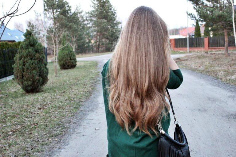 Jak uratować i odbudować ekstremalnie zniszczone włosy?
