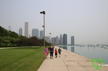 Millennium park - Walking Along Lake Michigan