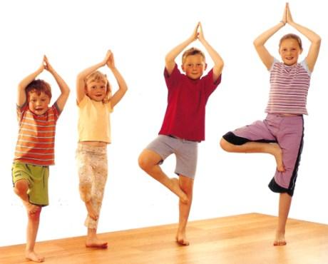kids doin yoga