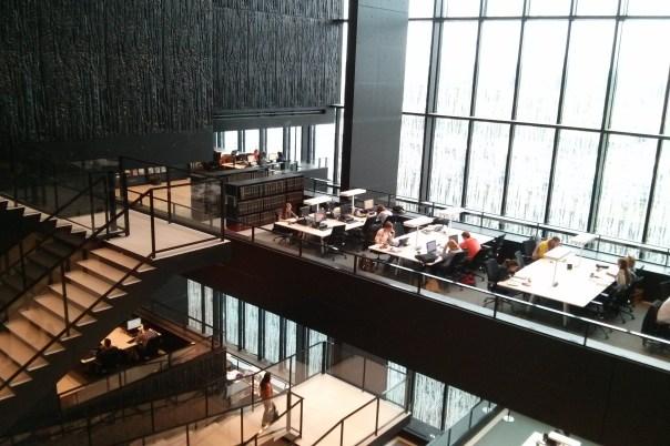 De universiteitsbibliotheek in de Uithof.