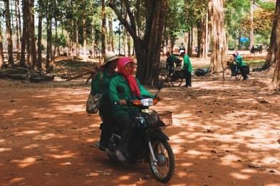 mobilne ekipy sprzątające Angkoru