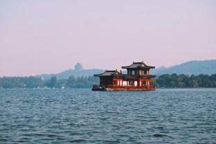 pływająca restauracja - jezioro Zachodnie