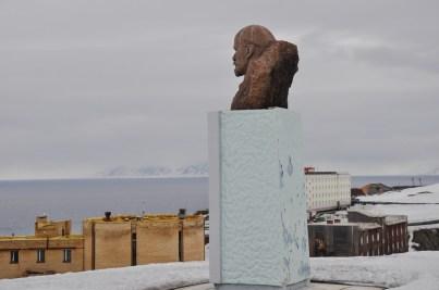 Lenin patrzący na północne krańce ziemi