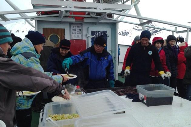 wielorybi obiad na MS Langoysund